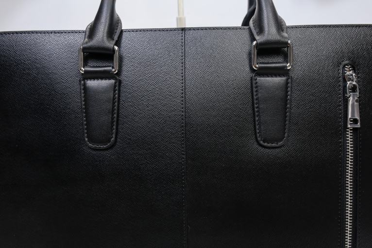 Cặp da nam Prada màu đen sang trọng DT25-D