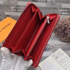 Clutch cầm tay LV màu đỏ VOC53