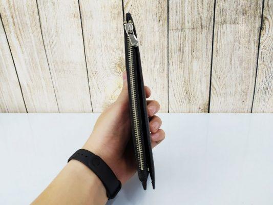 Clutch cầm tay màu đen dang trọng VOC49
