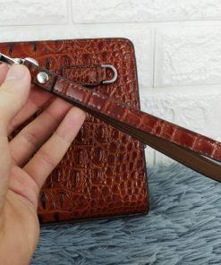 Ví dài cầm tay khóa số màu nâu cao cấp VOC69